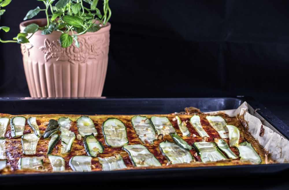 low carb Pizza mit Zucchini Migräne Ernährungsberatung münchen avocadooo