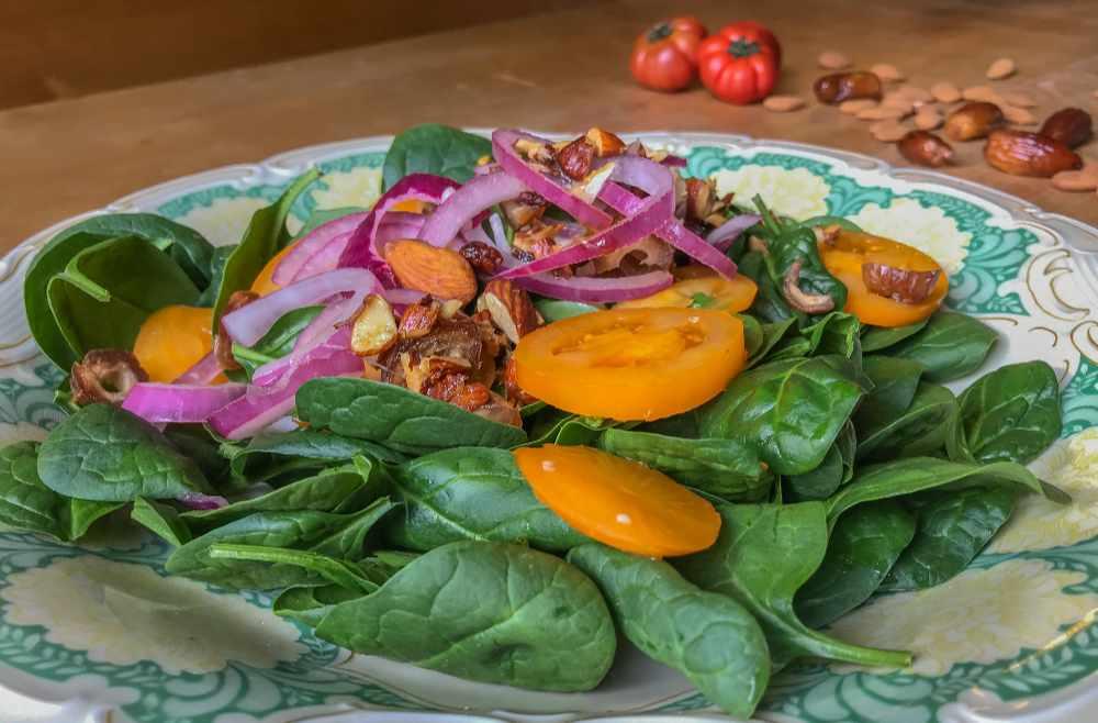 spinatsalat migräne migraine Rezepte Ernährung Ernährungsberatung ernährungscoaching avocadooo israelisch